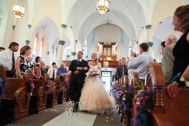 Alyssa and Zach Utech Wedding, father walking bride down aisle - Sioux City Photographers - Shane Monahan Photography, Iowa Wedding & Portrait Photographer, Photo Booth Rental, Remsen, IA