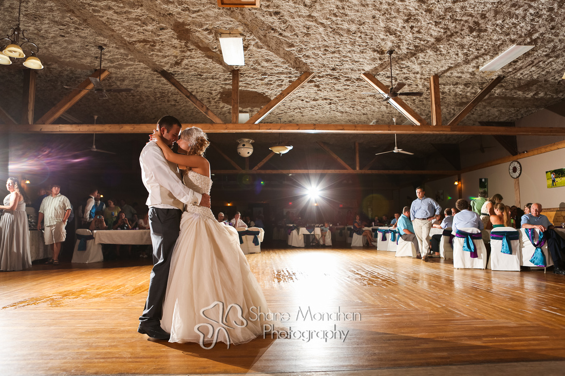 Alyssa and Zach Utech Wedding, first dance - Sioux City Photographers - Shane Monahan Photography, Iowa Wedding & Portrait Photographer, Photo Booth Rental, Remsen, IA
