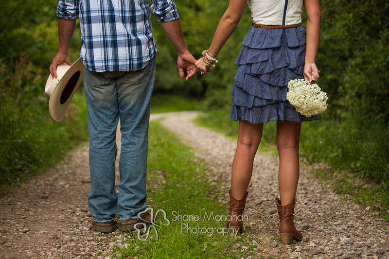 Zach and Alyssa engagement photo shoot - Sioux City Photographers - Shane Monahan Photography - Iowa Wedding & Portrait Photographer