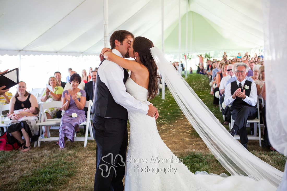 Maggie and BJ Wylie Wedding, wedding kiss - Sioux City Photographers - Shane Monahan Photography, Iowa Wedding & Portrait Photographer, Photo Booth Rental